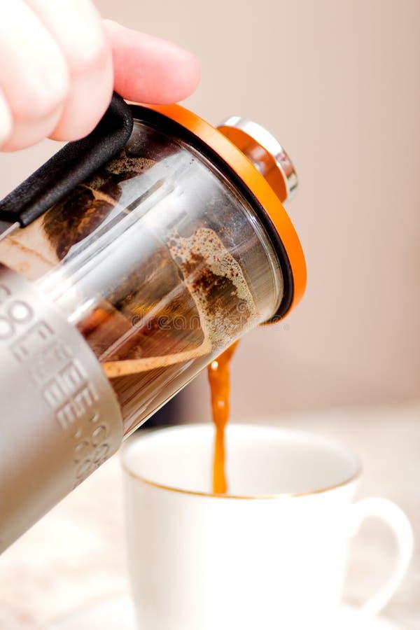 Kaffee und weißes Cup lizenzfreie stockfotos