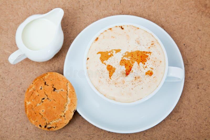 Kaffee- und Weltkarte stockbilder