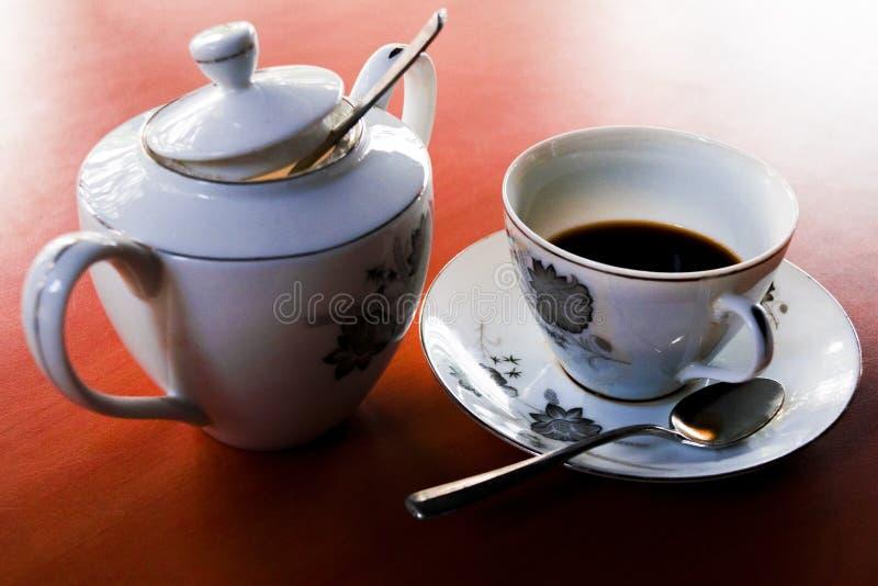 Kaffee- und Zuckerschale lizenzfreie stockfotografie