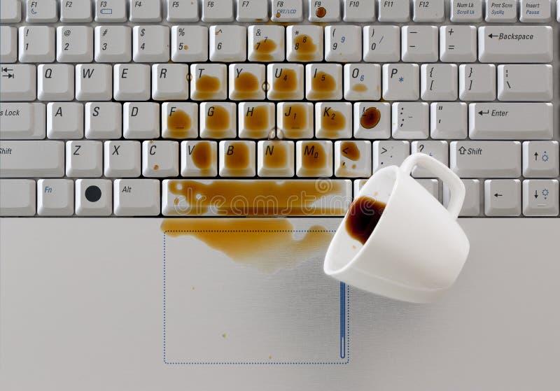 Download Kaffee Verschüttet Auf Tastatur Stockfoto - Bild: 34805746