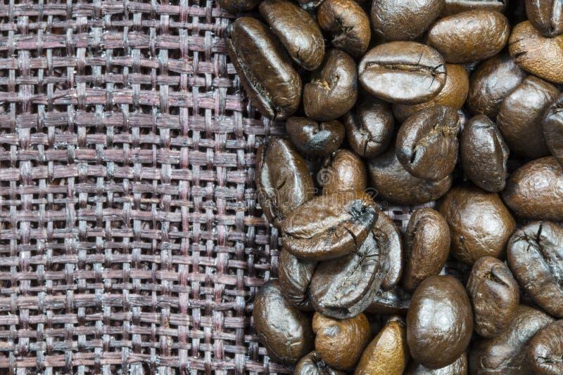 Download Kaffeebohnen stockbild. Bild von landwirtschaft, leerzeichen - 26369117