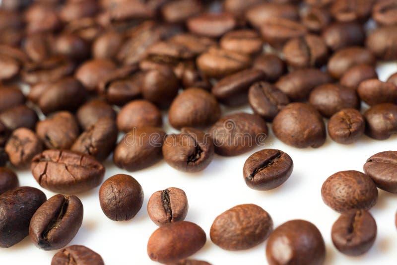 Download Kaffeebohnen stockbild. Bild von bohnen, nahrung, makro - 27732377