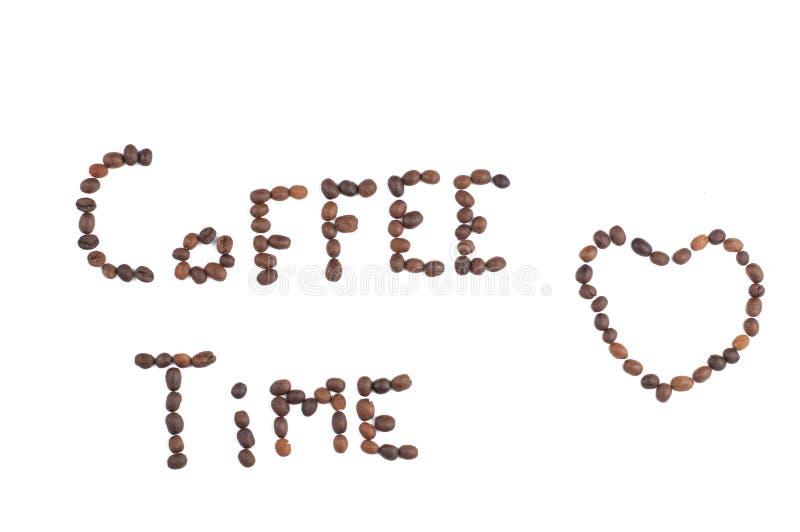Kaffeebohnen getrennt auf wei?em Hintergrund Kaffee und mehr Kopieren Sie Platz lizenzfreie stockfotografie