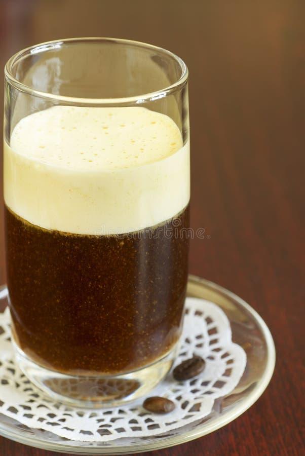 Kaffeecocktail mit gepeitschter Sahne lizenzfreie stockfotos