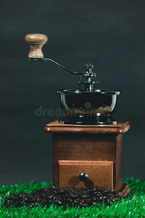 Kaffeemühlebohnen lizenzfreies stockbild