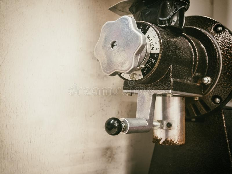 Kaffeemühlemaschine Kaffee-Industrie stockbild