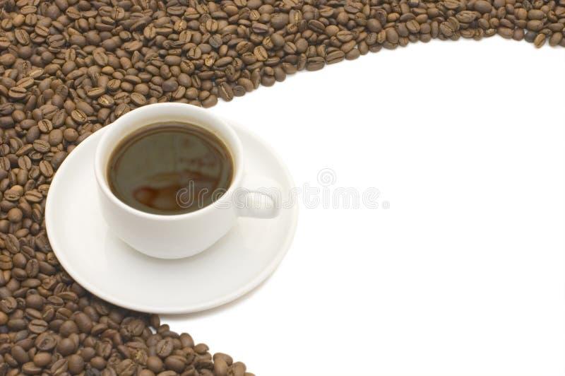 Download Kaffeetasse und Korn stockfoto. Bild von flüssigkeit - 12200940