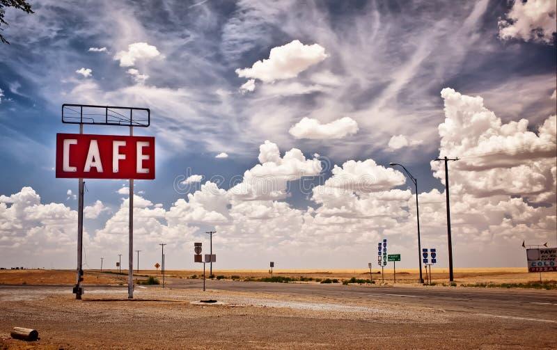 Kaffeezeichen entlang historischem Weg 66 in Texas. stockbild
