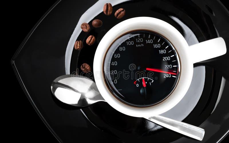 Kaffekopp med hastighetsmätaren royaltyfria foton