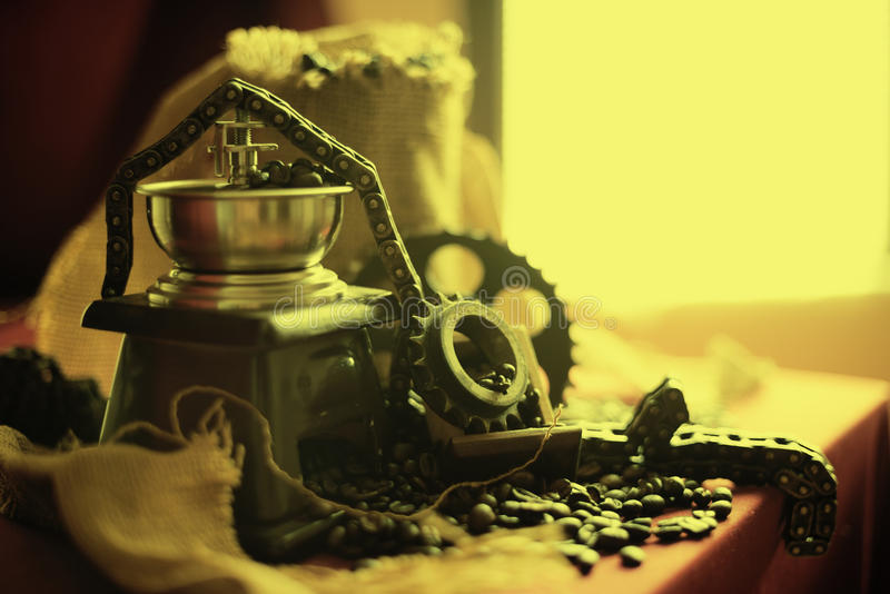 Kaffekvarn- och motorobjekt royaltyfri foto