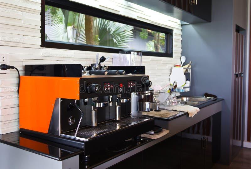 Kaffemaskin. arkivfoton
