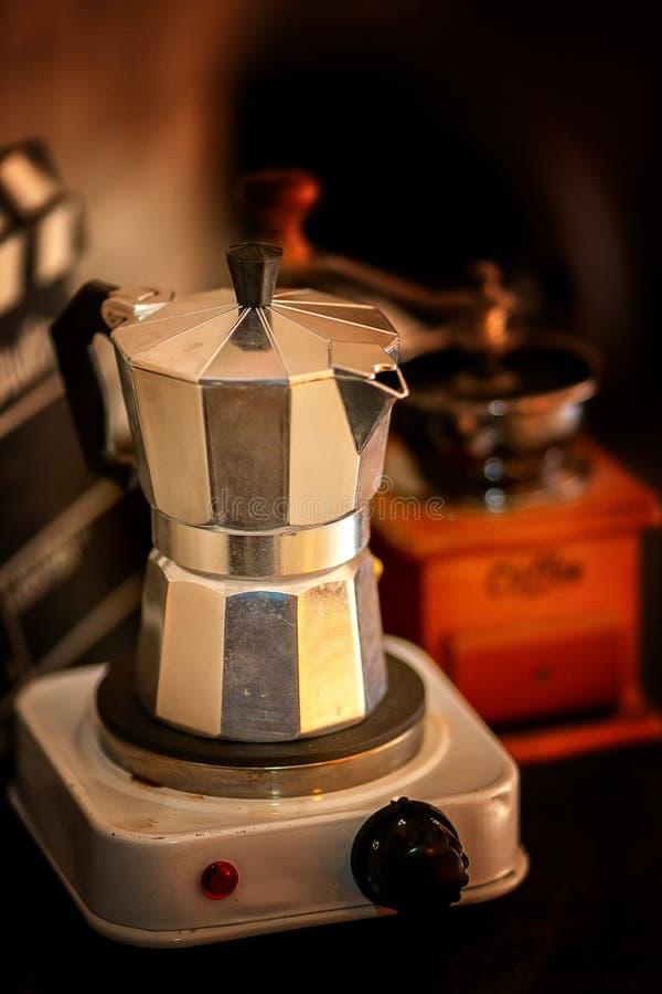 Kaffemoka i coffee shop arkivbild