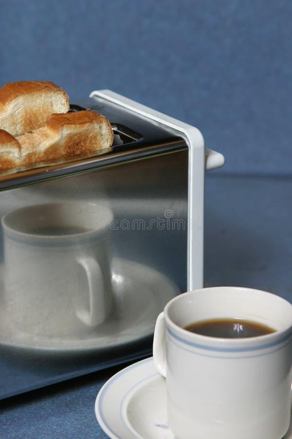 kafferostat bröd royaltyfri bild