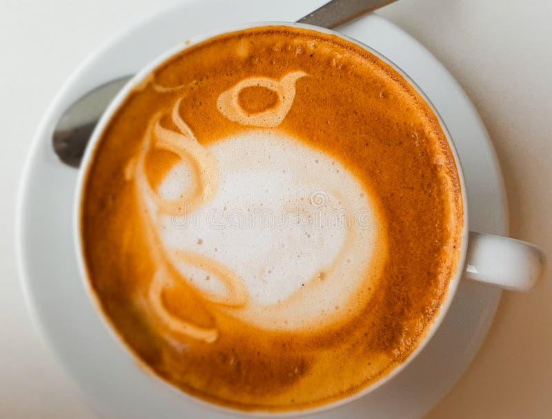 Kaffetid, kafé i Dubai arkivbild
