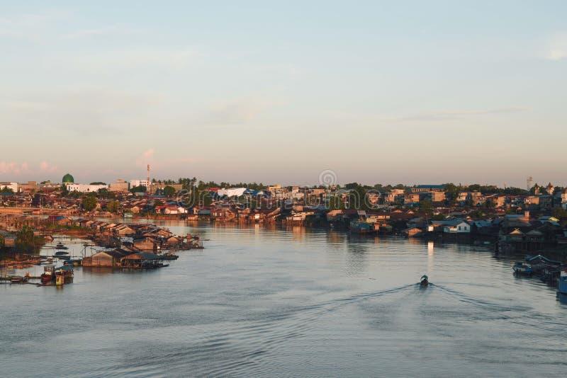 Kahayan rzeka przy Palangka Raya zdjęcie stock