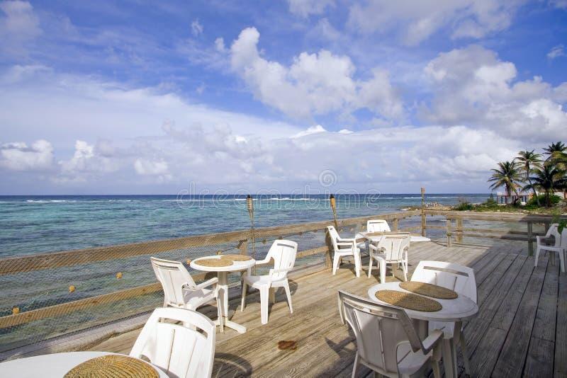 Kaiman-Insel-Rücksortierung-Patio lizenzfreie stockfotografie