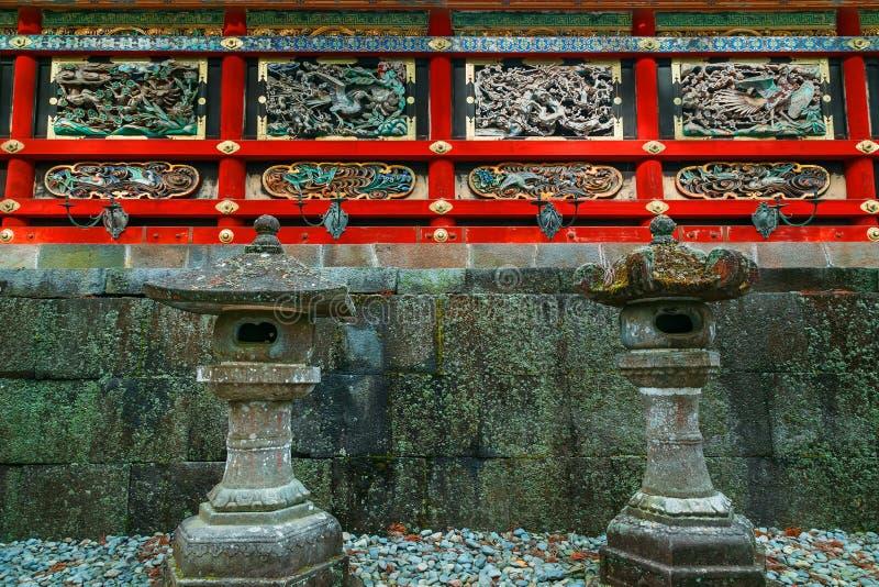 Kairo - väggen av den Yomeimon porten på dengu relikskrin i Nikko, Japan arkivbild