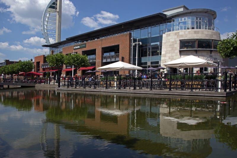 Kais Portsmouth Ufer Dinning Gunwharf stockbilder