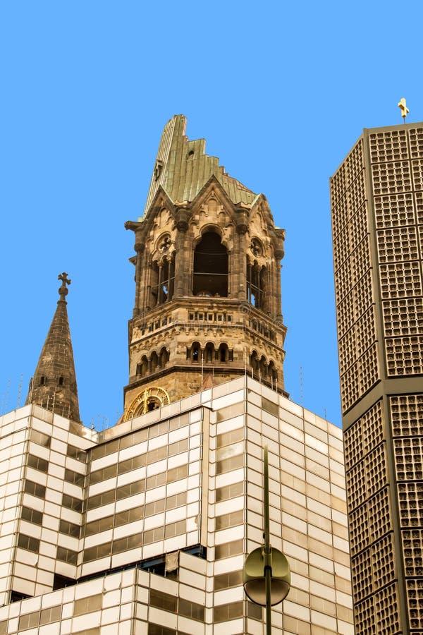 Kaiser commémoratif Wilhelm Church étant reconstitué image libre de droits