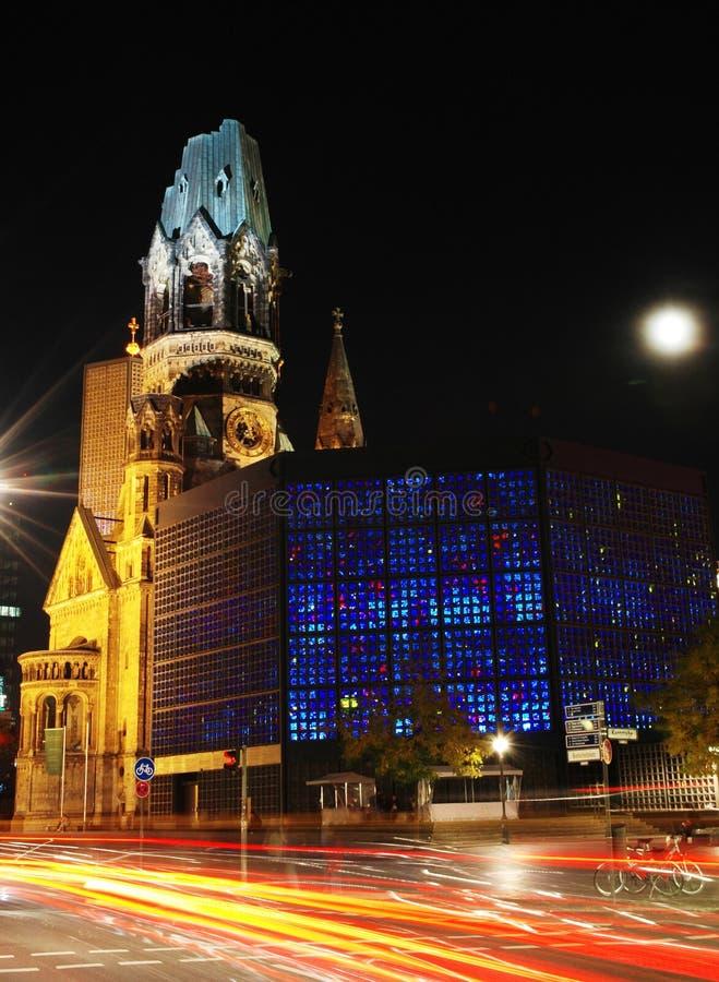 Kaiser Wilhelm Memorial Church i Berlin på natten royaltyfri fotografi