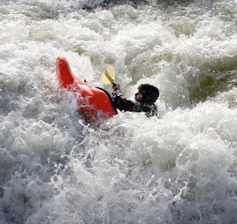 Kajak auf den Rapids stockfoto