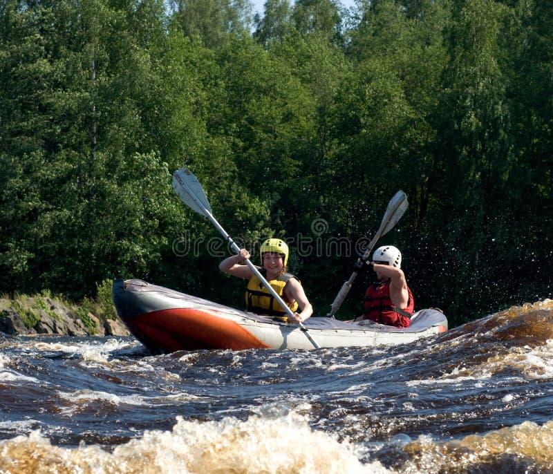 Kajak auf Fluss lizenzfreie stockfotografie
