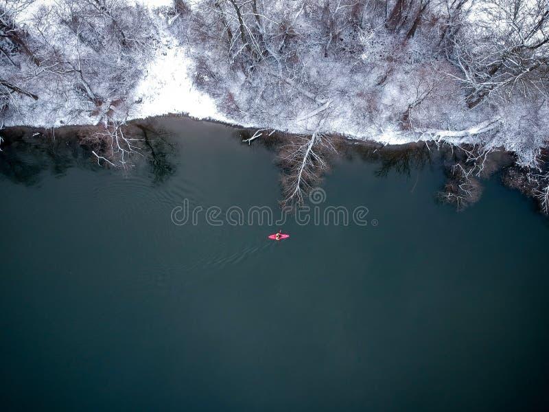 Kajak dans l'hiver photographie stock libre de droits