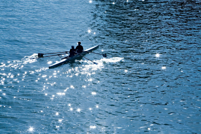Kajak en el mar fotos de archivo