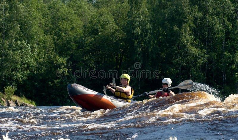 Kajak en el río foto de archivo