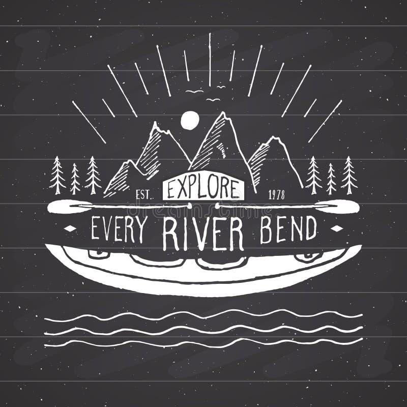 Kajak- och kanottappning märker, den drog handen skissar, det grunge texturerade retro emblemet, det typografidesignt-skjortan tr vektor illustrationer