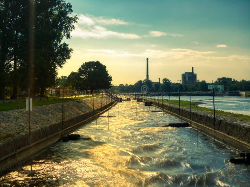 Kajak- und Kanuwegrennen Prag stockbilder