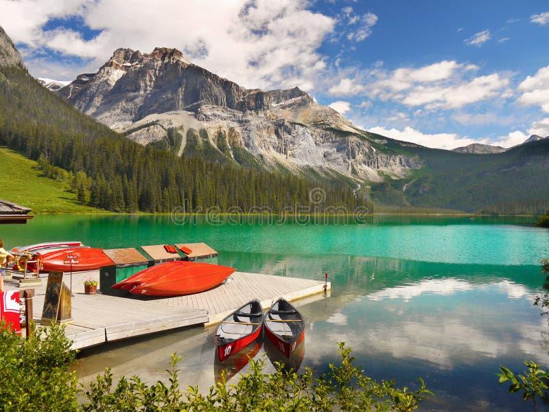 Kajaker berg, Emerald Lake, arkivfoton