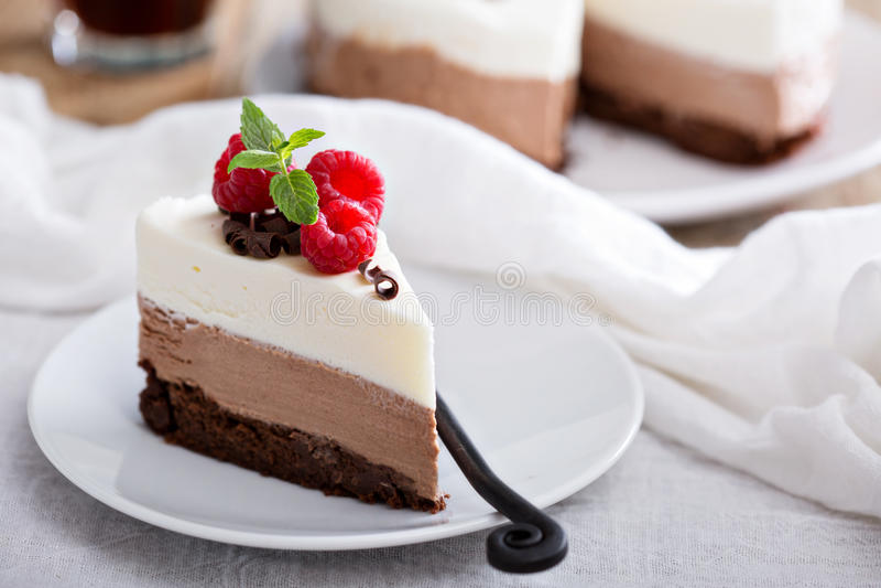 Kaka för mousse för choklad tre royaltyfri foto