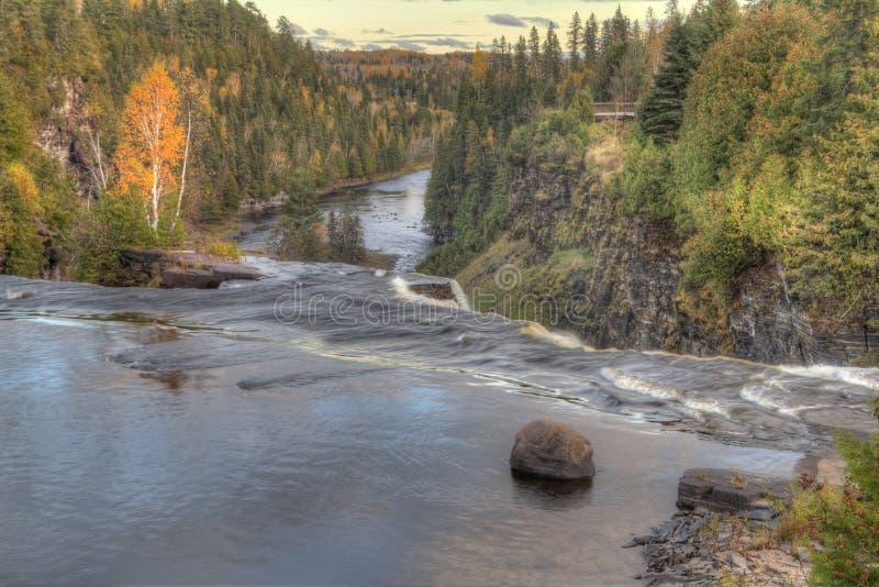 Kakabeka cade parco provinciale in Ontario fotografia stock libera da diritti