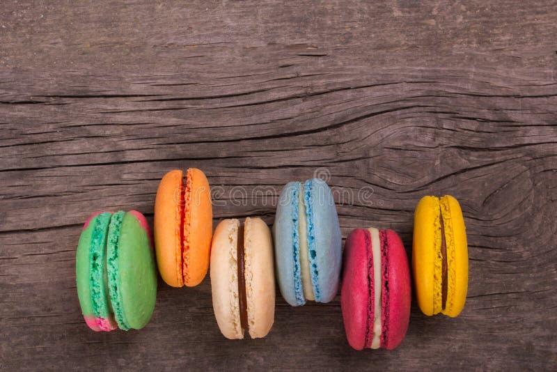 Kakamacaron eller färgrika kakor för makron royaltyfri bild