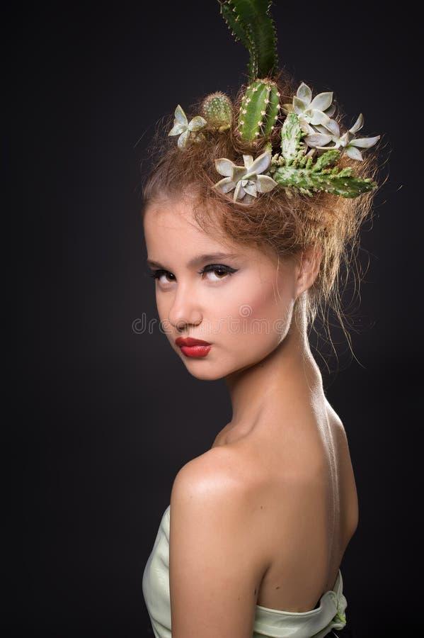 kaktuskvinna fotografering för bildbyråer