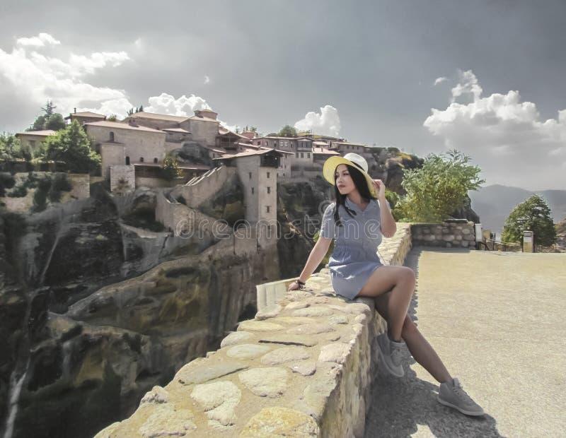 Kalabaka, Griekenland bovenop de bergen royalty-vrije stock fotografie