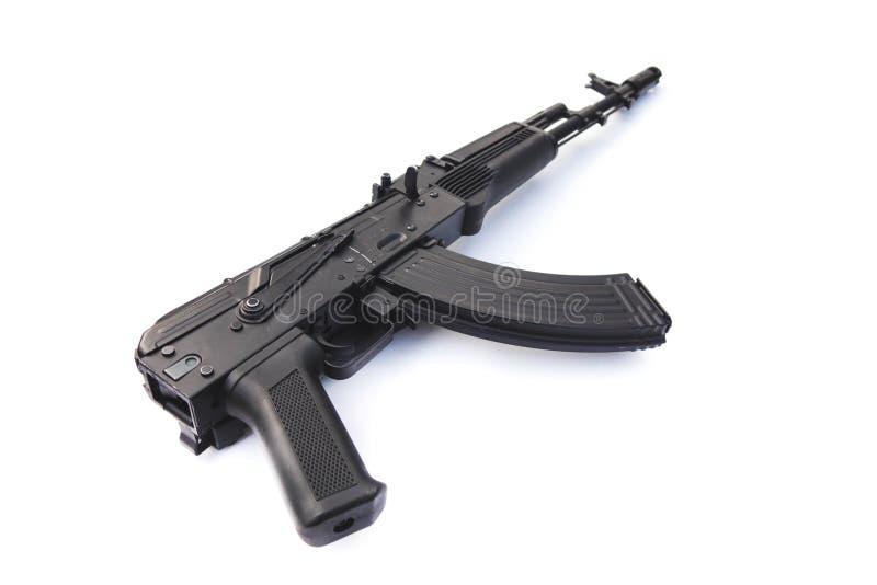 kalachnikov fusil d'assaut chêne isolé sur fond blanc photographie stock libre de droits