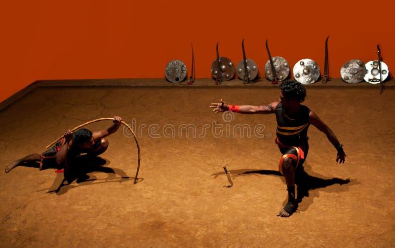 Kalaripayattu kampsport i Kerala, södra Indien royaltyfri bild