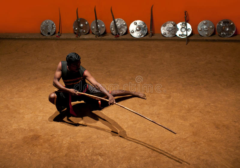 Kalaripayattu kampsport i Kerala, södra Indien royaltyfri foto