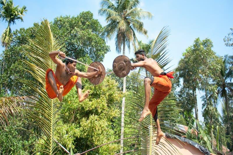 Kalarippayat, arte marcial antiga indiana de Kerala fotografia de stock