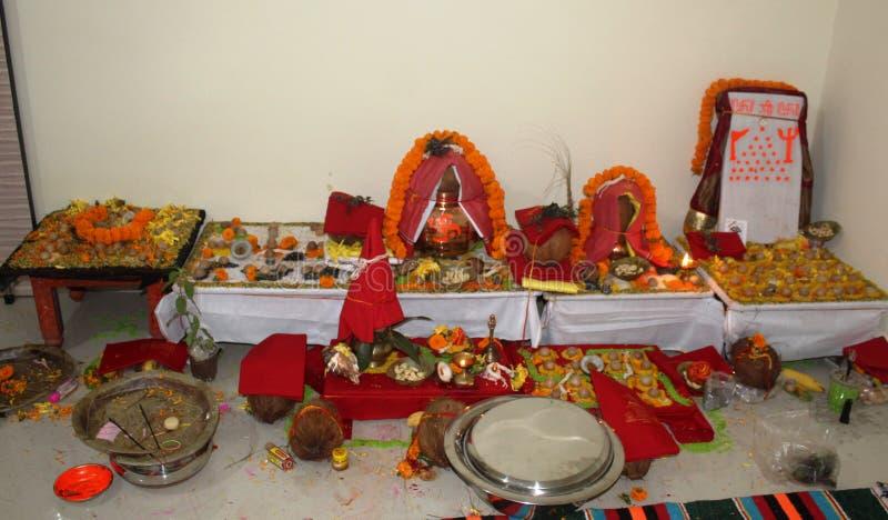 Kalash para el puja indio de la tradici?n fotografía de archivo
