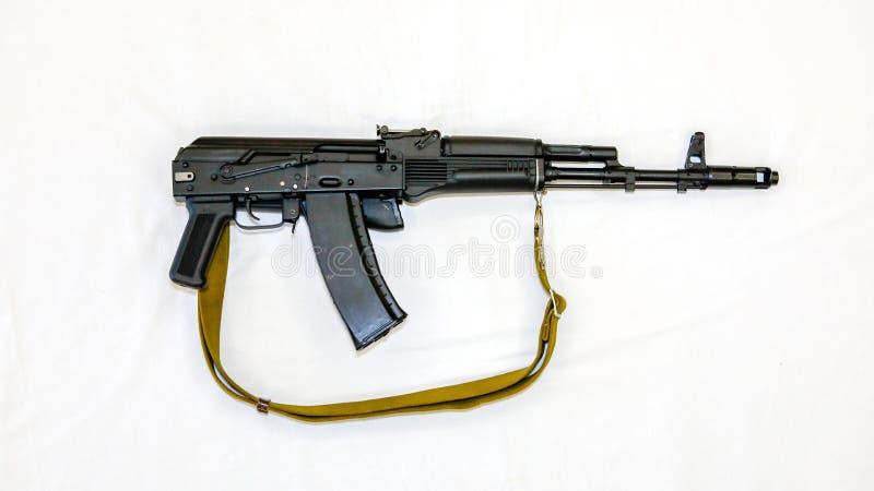 Kalashnikov ak-74 aanvalsgeweer met het vouwen van voorraad, close-up royalty-vrije stock foto