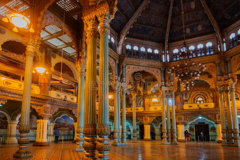 Kalayana Mantapa Pasillo, interior del palacio de Mysore, Karnataka, la India fotos de archivo libres de regalías