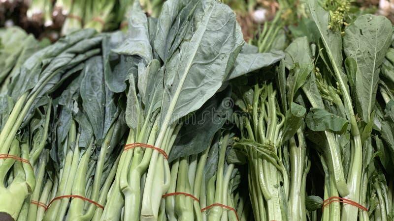 Kale που πωλείται στην αγορά στοκ φωτογραφίες με δικαίωμα ελεύθερης χρήσης