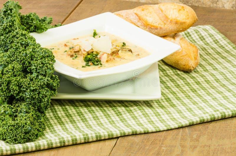 Kale i kartoflanej polewki dowcipu hbread obrazy royalty free