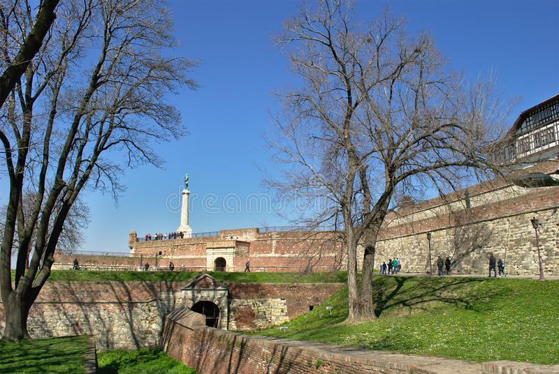 Kalemegdan, Belgrado met het Winnaarstandbeeld stock foto's