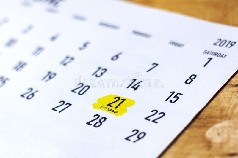 Kalender met de duidelijke zonnestilstand van dagjuni De de zomerzonnestilstand of zomerse zonnestilstand 2019 stock fotografie