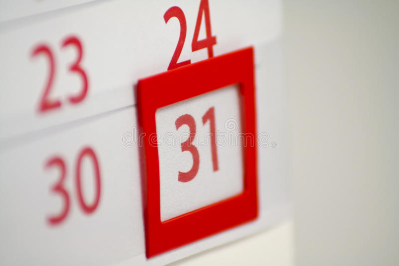 Kalender mit 31 im Fokus lizenzfreies stockbild