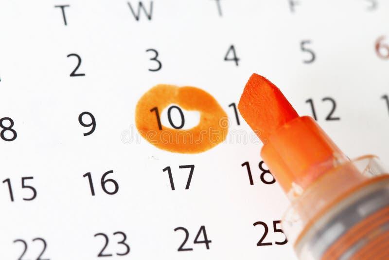 Kalender mit Datumhöhepunkt stockfotos
